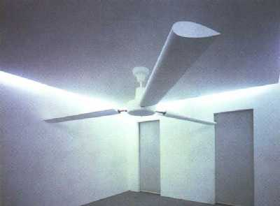 Fan with extending wings